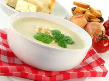 Как приготовить сырный суп с курицей и шампиньонами?