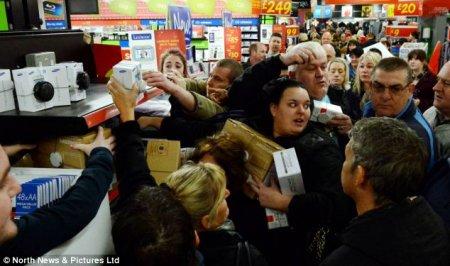 «Черная пятница» открывает сезон рождественских распродаж в США