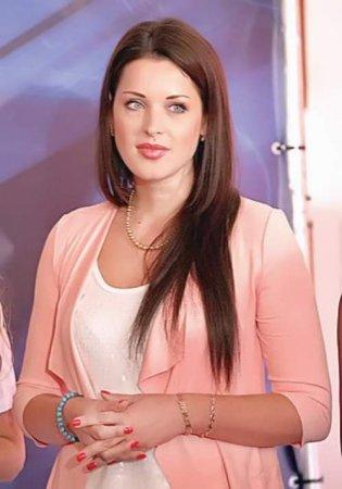 Телеведущая Елена Дамиева стала лауреатом журналистского конкурса «Золотое  ...