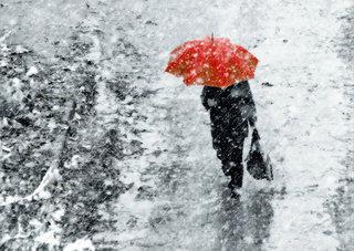 Оранжевый уровень опасности: в понедельник к мокрому снегу добавится сильны ...